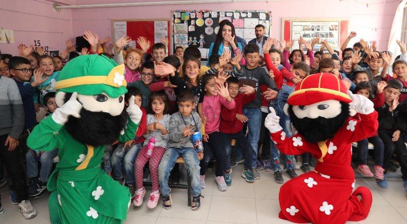 Kızıltepe'de öğrencilerin yüzü tiyatro ile güldü