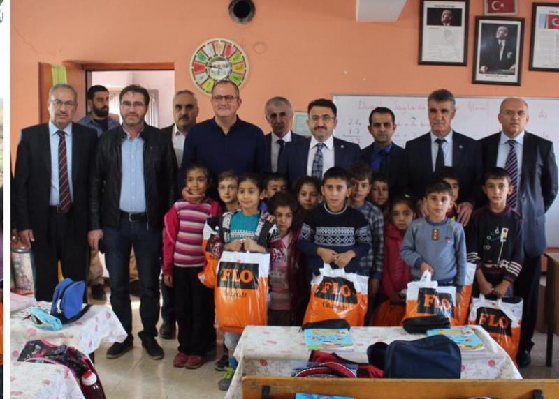 Kızıltepe'de öğrencilere kışlık kıyafet yardımı yapıldı
