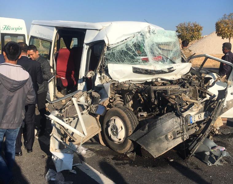 Kazada ağır yaralanan sürücü hayatını kaybetti