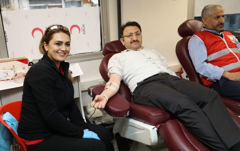Kaymakam Çam'dan kan bağışına destek