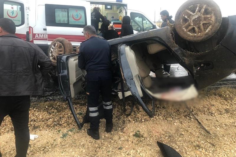 Kontrolden çıkan otomobil takla attı: 1'i ağır 5 yaralı