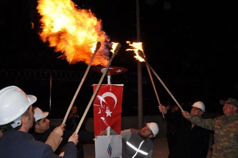 Midyat'ta ilk doğalgaz meşalesi yakıldı
