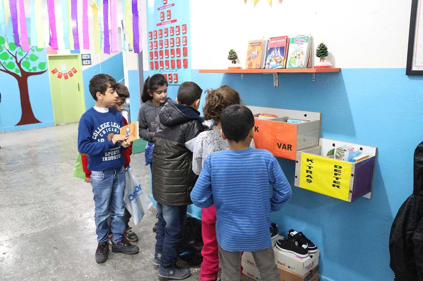 Kızıltepe'de okulda 'askıda iyilik' uygulaması