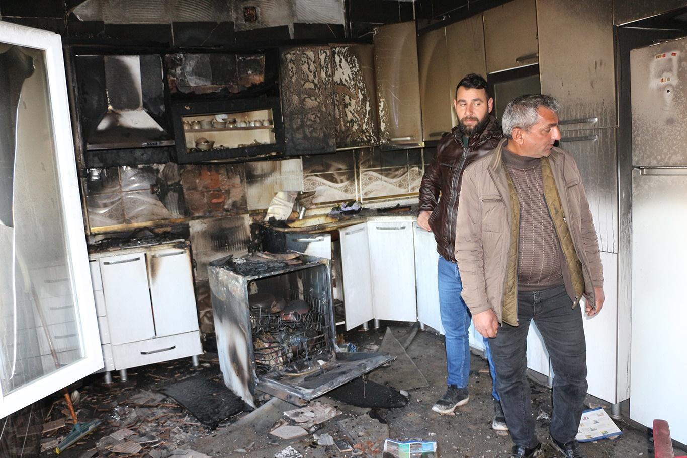 Kızıltepe'de evi yanan aile yardım bekliyor