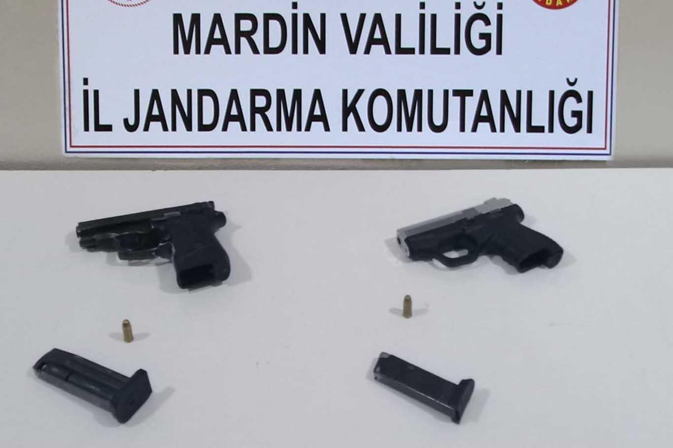 Silah kaçakçısı suçüstü yakalandı