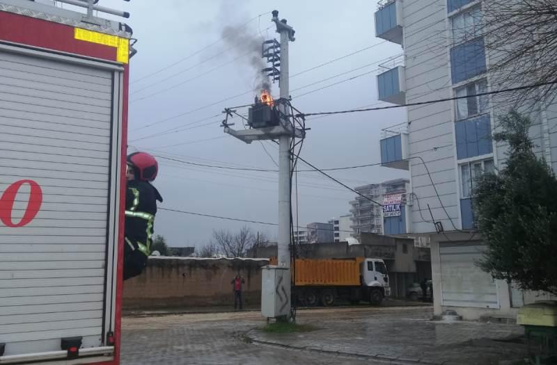 Kızıltepe'de aşırı yüklenmeden dolayı elektrik trafosu yandı