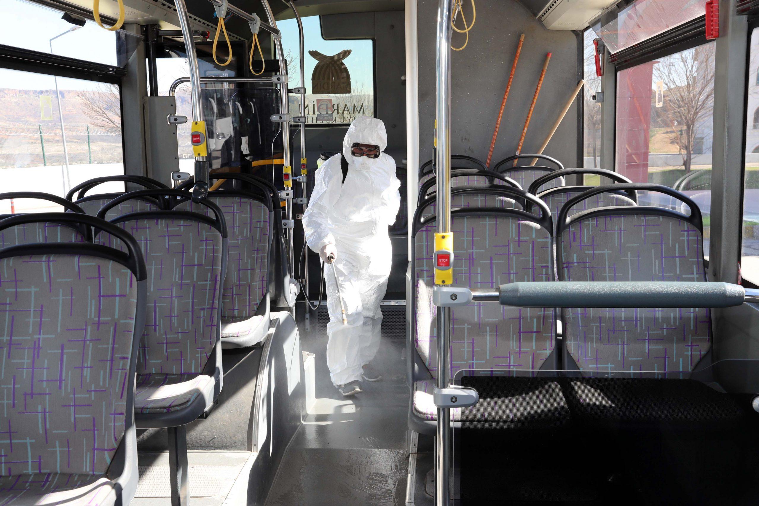 Mardin'de toplu taşıma araçları dezenfekte edildi