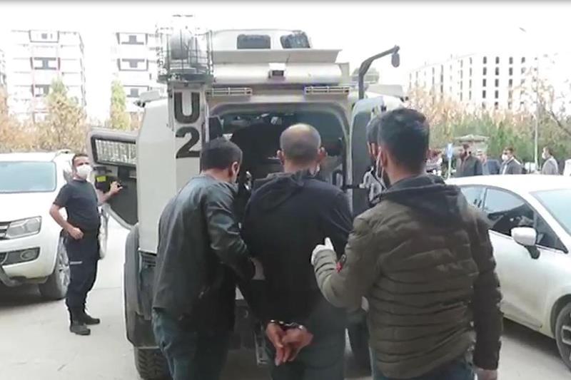 Kızıltepe'de 18 ayrı suçtan aranan suç makinesi yakalandı