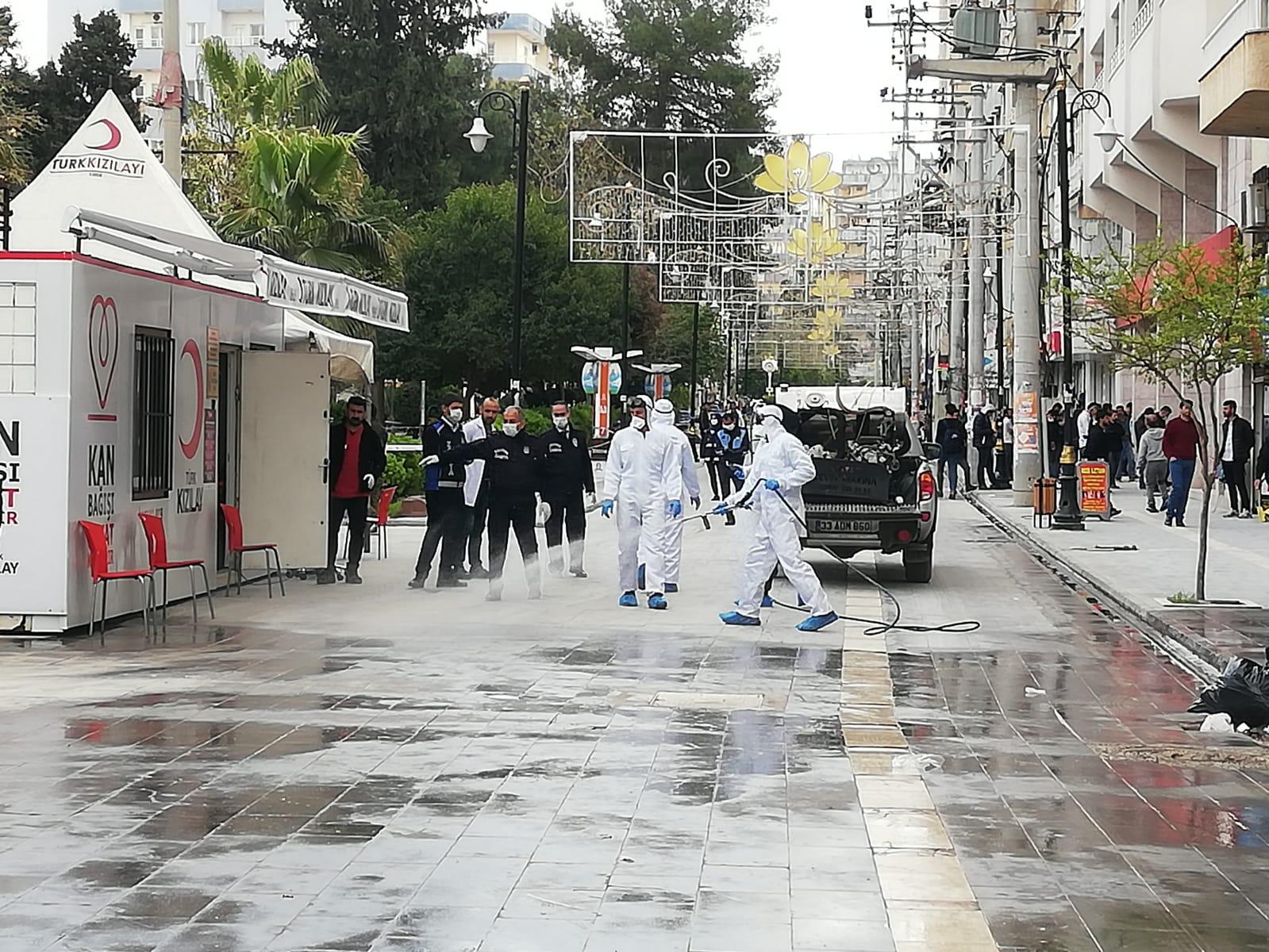 Kızıltepe'de Çarşı merkezi  Dezenfekte Edildi