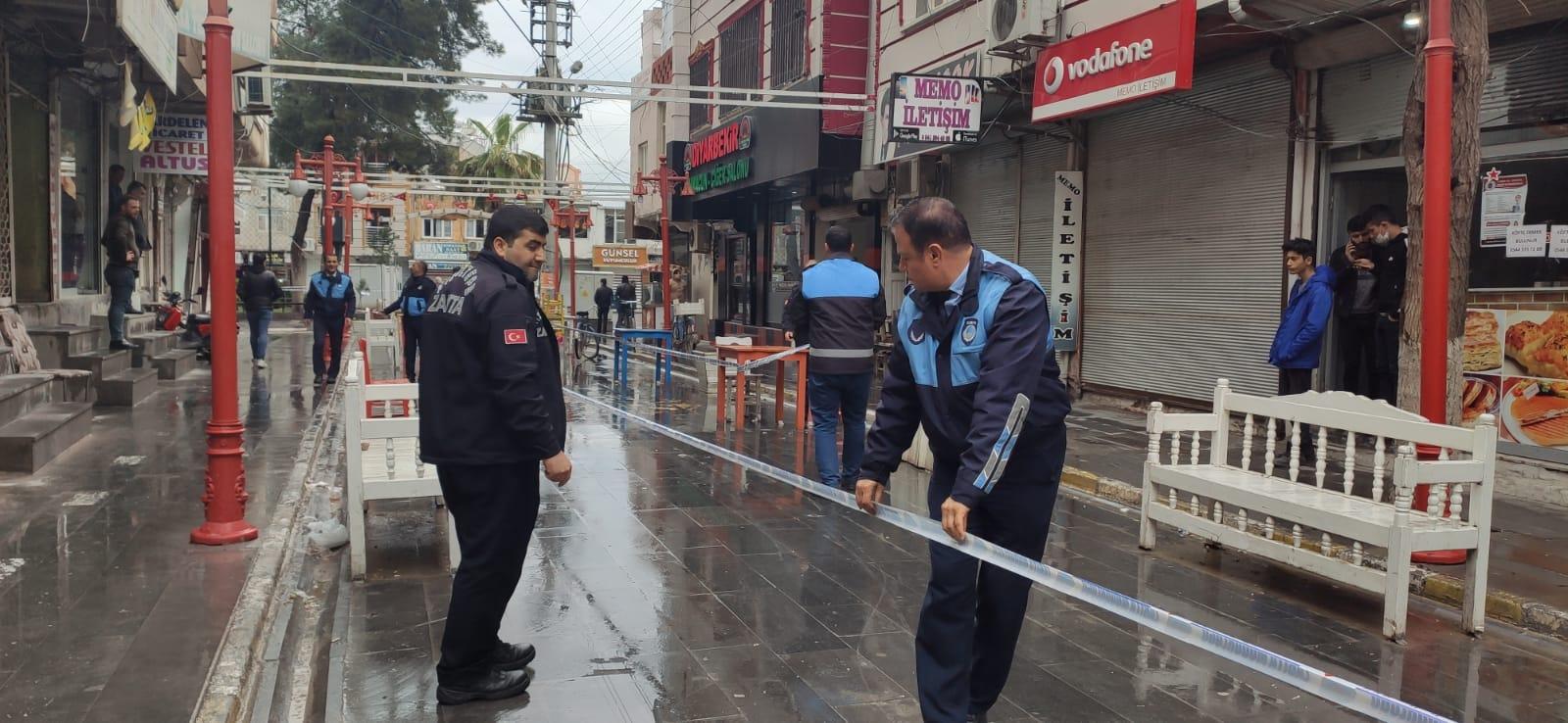 Kızıltepe'de corona virüsü uyarıları dikkate alınmadı, belediye bankları söktü