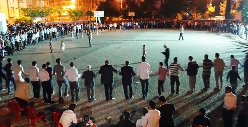 Mardin'de kadınların evlilik yaşı 24, erkeklerin 27 oldu