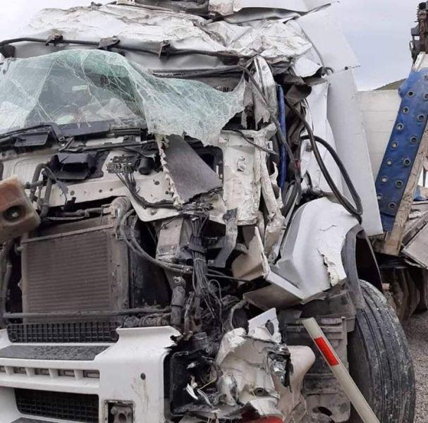 Genç sürücü feci kazada hayatını kaybetti