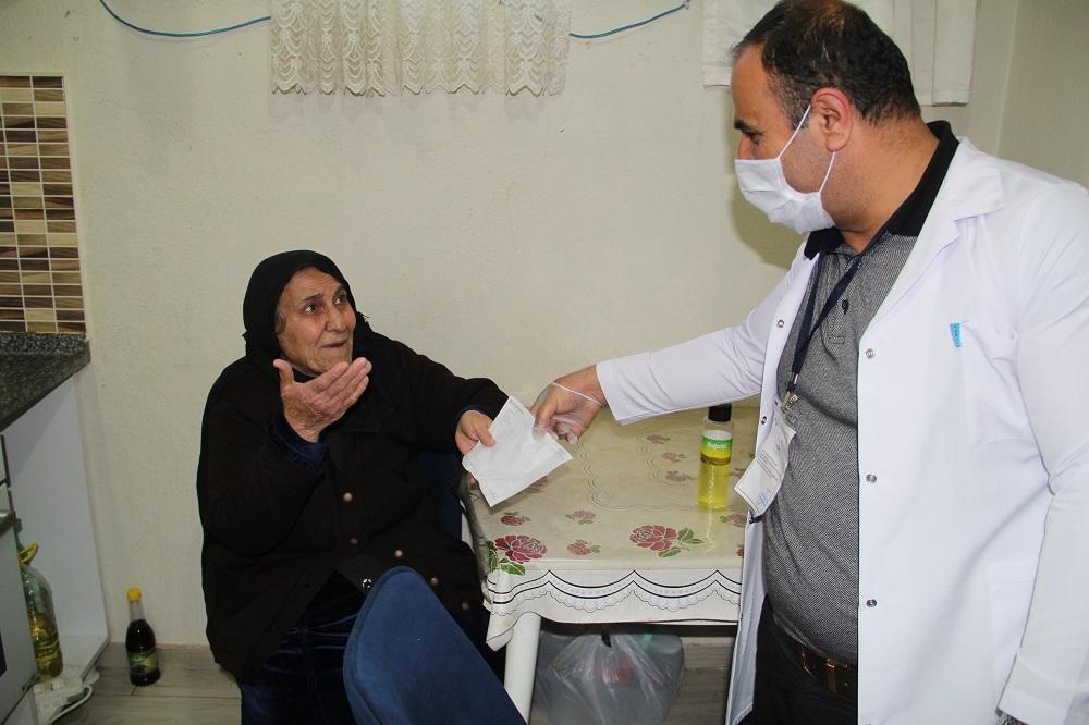Sabriye teyze emekli maaşını kampanyaya bağışladı