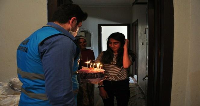 Mardin'de 112 bu kez doğum günü pastası için kapıyı çaldı