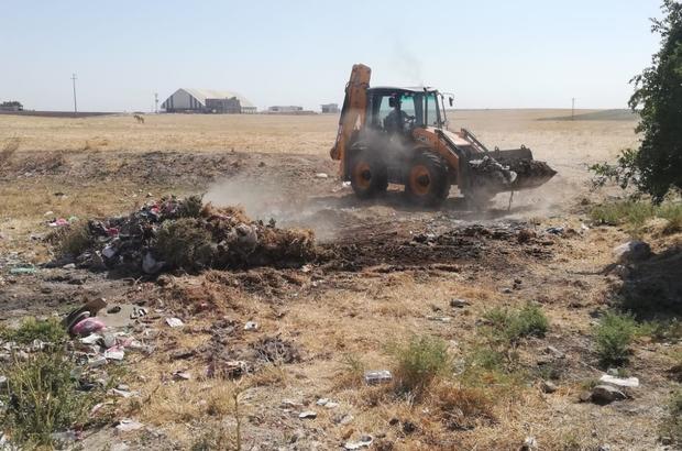 Kızıltepe Belediyesi köyden 21 kamyon çöp topladı