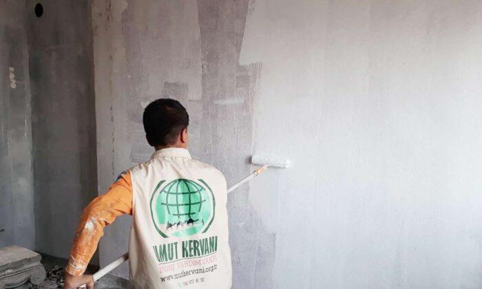 Mardin Umut Kervanından evi yanan vatandaşa yardım