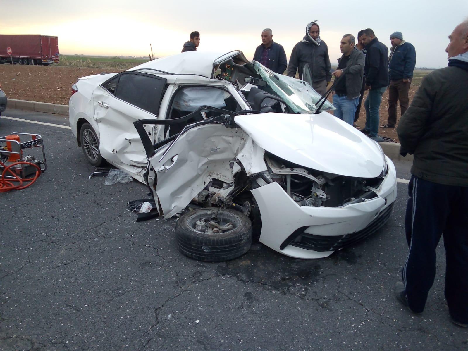 Mardin'de tır ile otomobil çarpıştı: 1 ölü, 2 yaralı