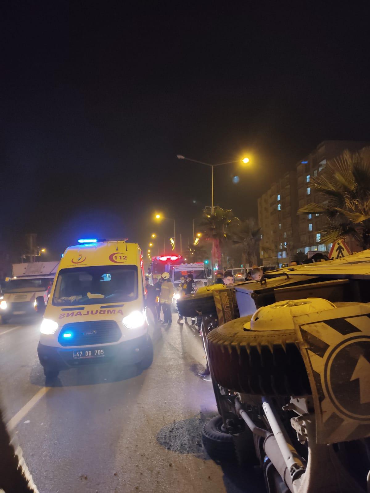 Kızıltepe'de kamyonet devrildi: 2 Yaralı