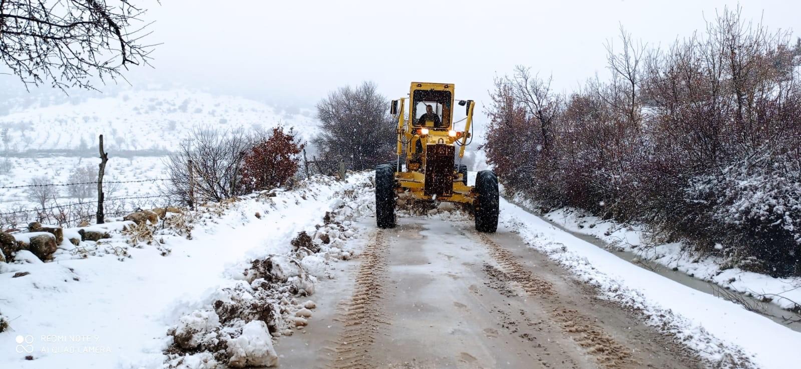 Mardin Büyükşehir Belediyesinden karla mücadele çalışmaları
