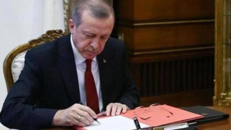 AHMET KUTLUHAN KİMDİR? AHMET KUTLUHAN NERELİ?  Pamukkale Üniversitesi Rektörü Ahmet Kutluhan