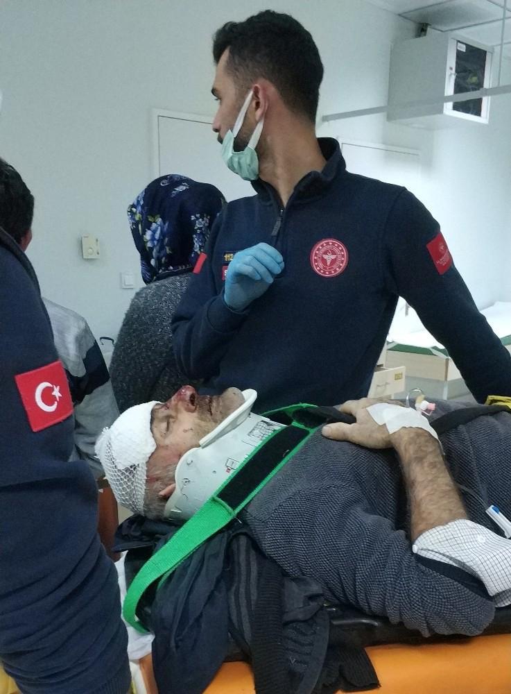 Mehmet Yayla (55) idaresindeki Otomobil dere yatağına yuvarlandı: 2 yaralı