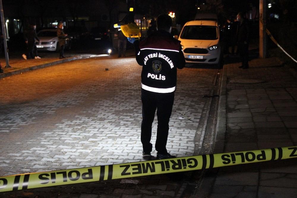 Sokak ortasında 2 kişiyi vurdular,Ali İmran A.'ya ateş açtı bağ evinde saklanırken yakalandılar
