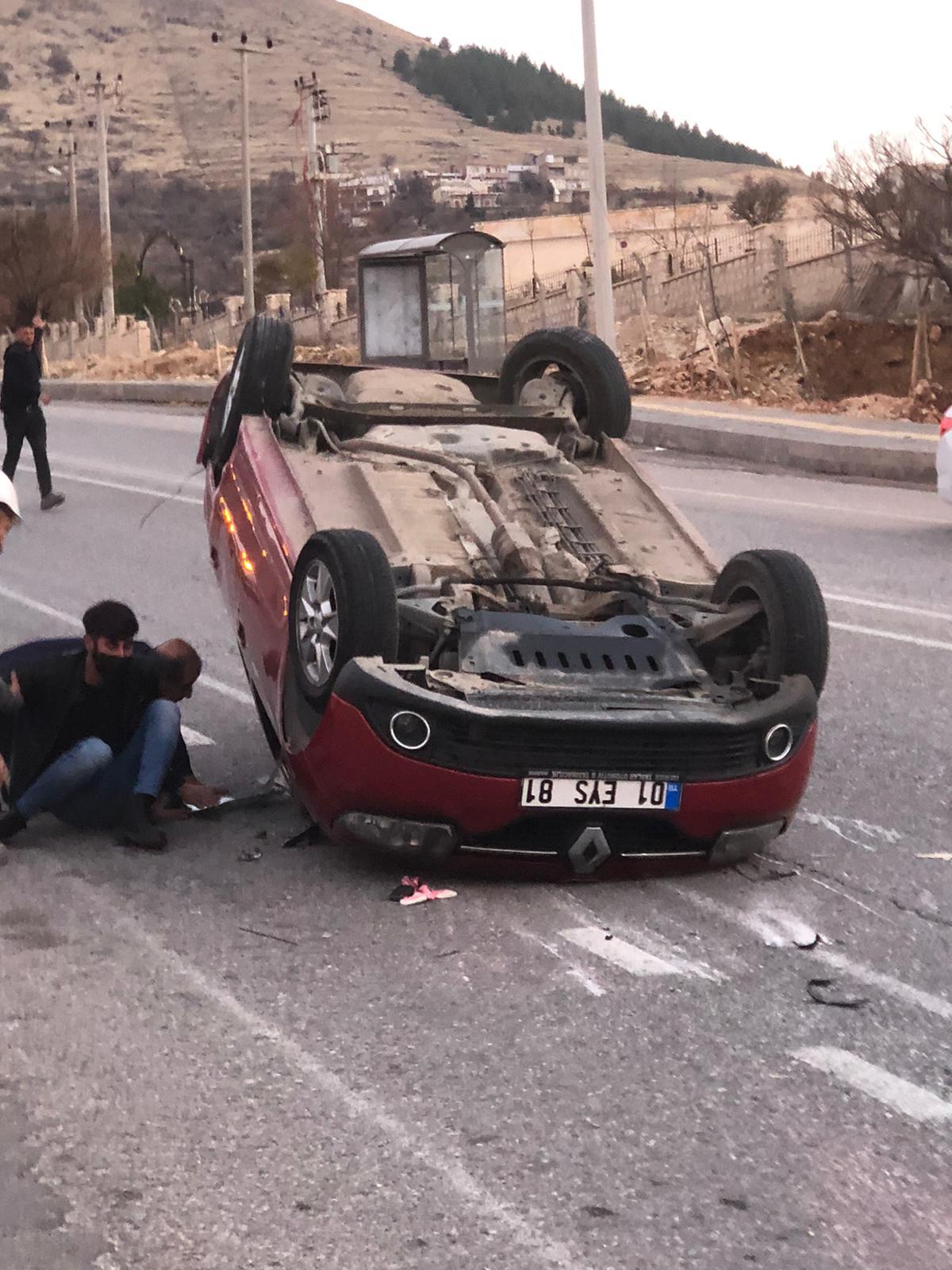 Mardin'de otomobil devrildi: 4 yaralı
