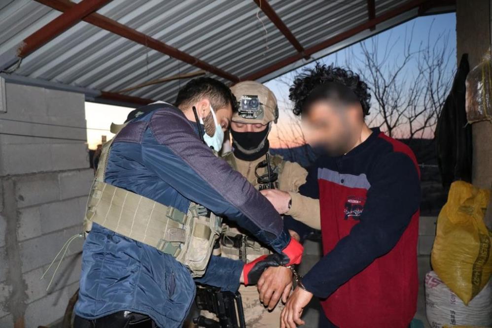 Diyarbakır'da Tırpan-2 uyuşturucu operasyonu: 16 gözaltı