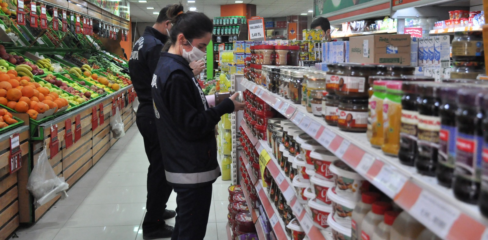 Kızıltepe Zabıtası Marketlerde Fahiş Fiyat Denetimlerini Sürdürüyor