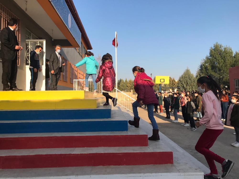 Kızıltepe'de köy okullarında yüz yüze eğitim için zil çaldı