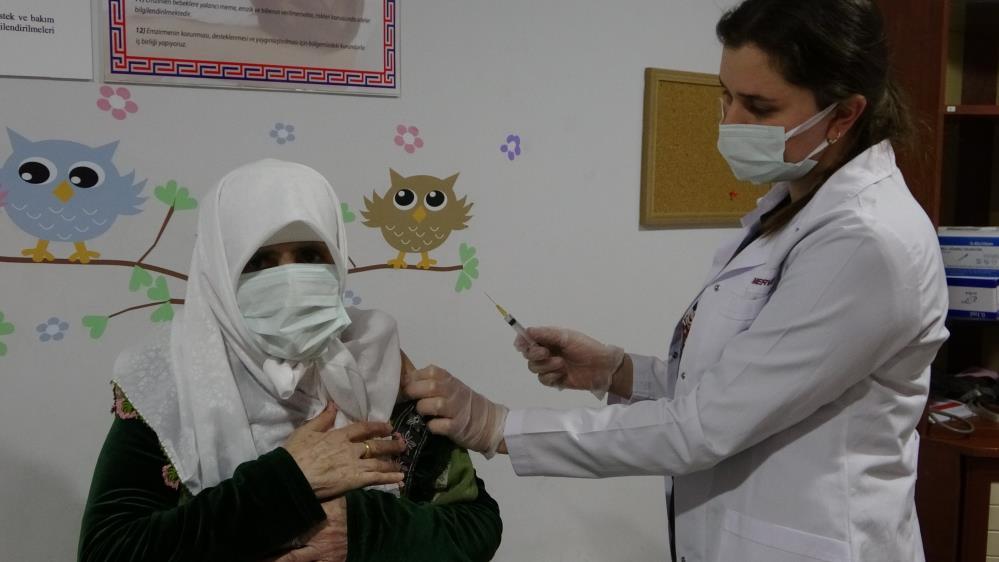 Mardin'de 22 bin 300 kişiye Kovid-19 aşısı uygulandı