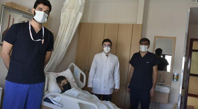 """Mardin'de ilk defa """"SPNL"""" yöntemi ile böbrek taşı ameliyatı yapıldı"""