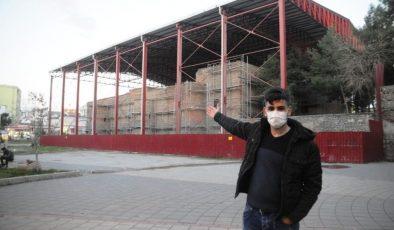 Cizreliler tarihi Kırmızı Medrese'deki restorasyon çalışmalarının devam etmesini istiyor