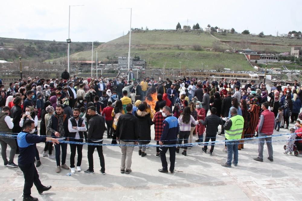 Diyarbakır Büyükşehir Belediyesi baharı 'Küçede Sanat Var' etkinliğiyle Dicle Vadisinde karşıladı