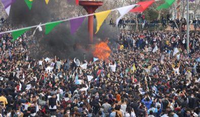 Diyarbakır'daki Nevruz kutlamasına vatandaşlar alana HES kodu ile girdi