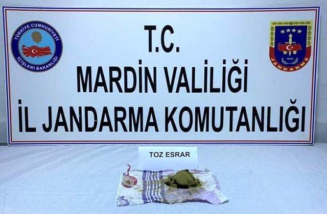 Mardin'de aranan zanlı üzerinde esrar ile yakalandı
