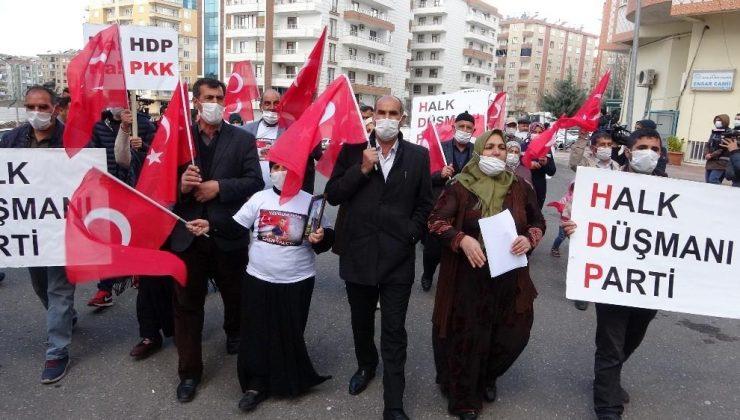 Evlat nöbetindeki aileler, HDP'nin kapatılması için yürüyüş yaptı