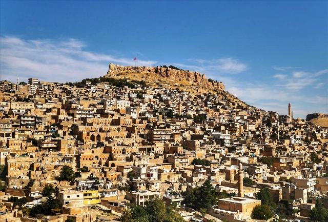 Koronavirüs vakaların arttığı Mardin'de 'kırmızı renk' endişesi