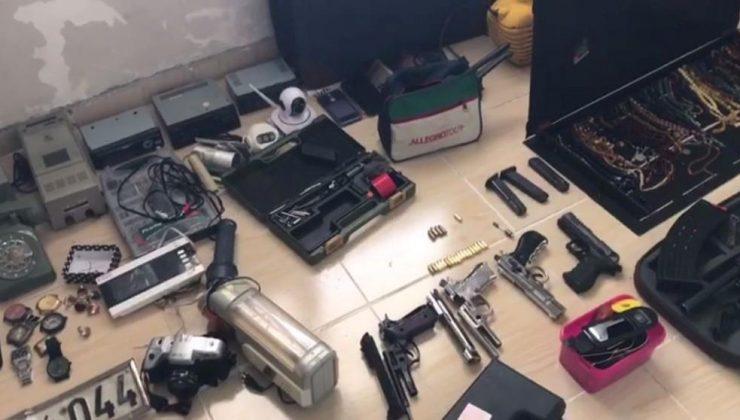 Hırsızlık malzemelerine karşılık uyuşturucu ticareti yapan 2 kişi tutuklandı