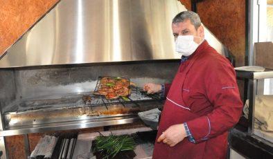Kebap ustası menüsüne vücut direncini yükselten bıldırcın etini ekledi, vatandaşlar sipariş için sıraya girdi