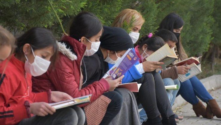 Şırnak'taki köy okullarına kitap desteği