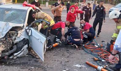 Mardin'de tır ile otomobil çarpıştı: 2 yaralı