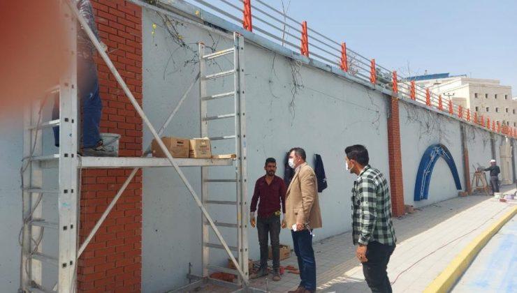 Mardin'de kavşaklar ve istinat duvarları süsleniyor