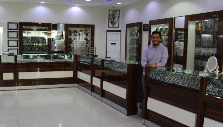 Tam kapanma ile gümüş mağazaları online satışa yöneldi