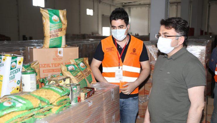 Kızıltepe'de ihtiyaç sahiplerine 10 bin gıda paketi dağıtıyor