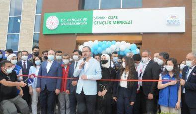 Bakan Kasapoğlu, Cizre Gençlik Merkezi'nin açılışını gerçekleştirdi
