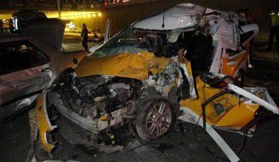 (Düzeltme) Diyarbakır'da feci kaza: 2 ölü, 8 ağır yaralı