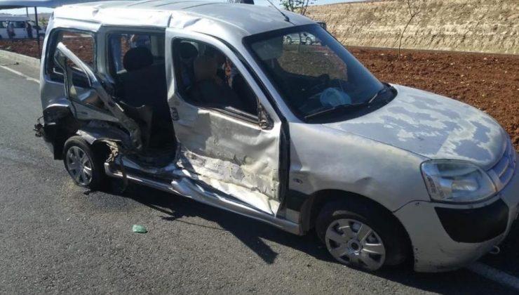 Mardin'de iki araç çarpıştı: 3 yaralı