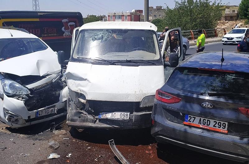 Mardin'de zincirleme kaza: 7 yaralı