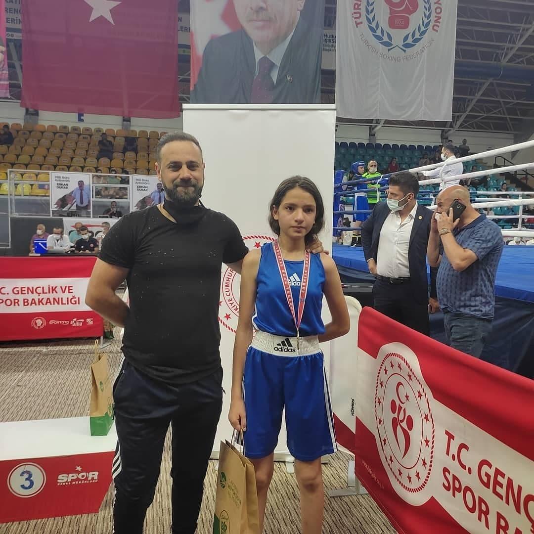 Mardinli Sezen Sude Karaboğa Türkiye ikincisi oldu